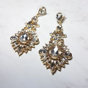 Avon Ultra Glam Statement Earrings
